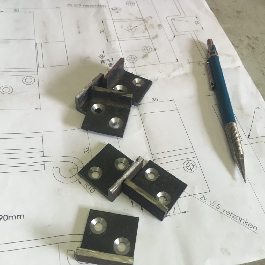 breedmetaal-raambeslag-gesmeed-modern